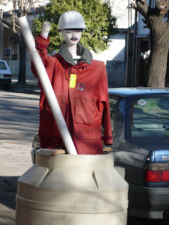 mi vecina maniqui en tanque sanitario calle La Plata