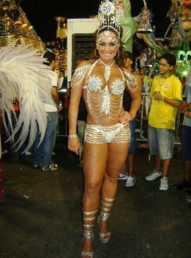 Carnaval nubia oliver e viviane araujo peladas ao vivo