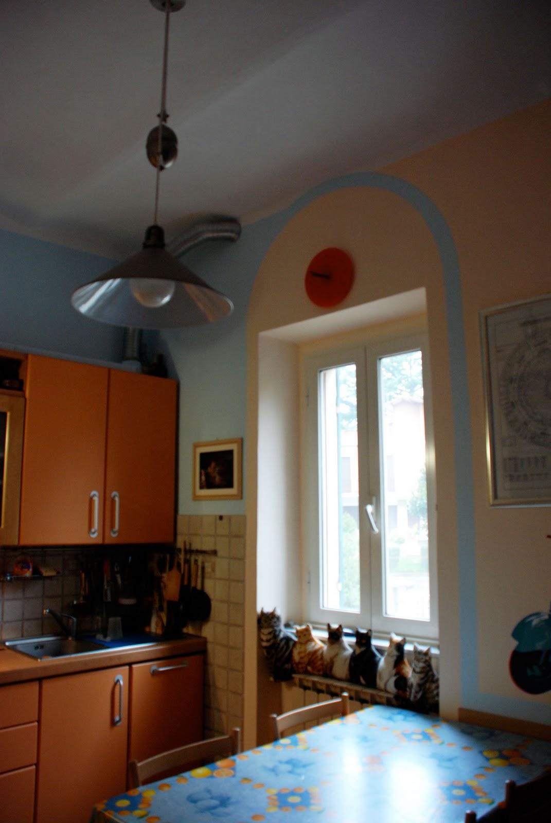 22 passi d 39 amore e dintorni la cucina con gli archi azzurri - Archi in cucina ...
