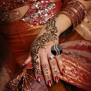 Difficult Irani Mehndi Design