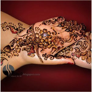 Dark Arabic Mehndi Design for Bride