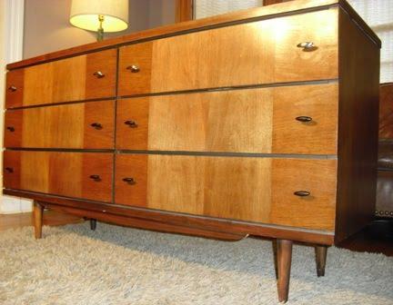 Upright Dressers