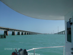 Seven mile bridge--original one on the right, replacement on the left