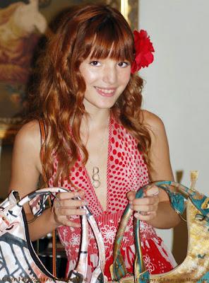 http://2.bp.blogspot.com/_89JKhHMV8fs/SsBppAOHR7I/AAAAAAAAAeg/JprBpJJw-D4/s400/Bella+Thorne+2009+Emerging+Magazine+Emmy+Gift+Suite.jpg
