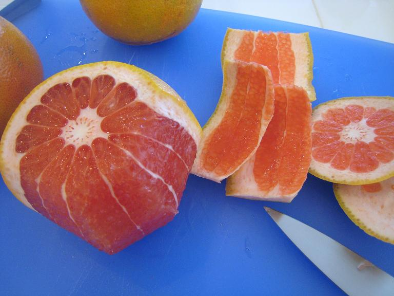 how to cut and eat a grapefruit