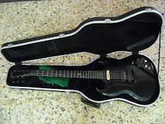 gitar maut kesayangan aku..muah muah..gibson sg gothic limited edition