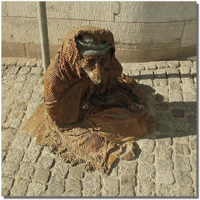 En skulptur på Drottninggatan.