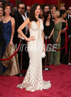 marion4 Oscar Nail Watch   Marion Cotillard