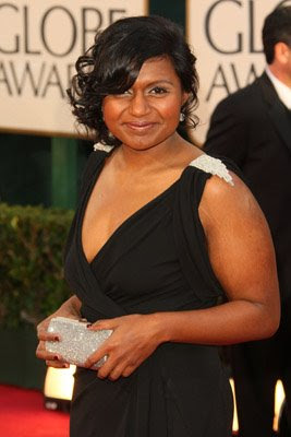 vampy nails mindy kaling golden globes Golden Globe Nail Watch   Red & Vampy Ladies
