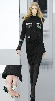 chanel, runway, paris, ready-to-wear, aw 09, green nail polish