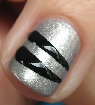 fergie nail art sally hansen china glaze Get The Look   Fergies Striped Nails at the Wolverine Screening