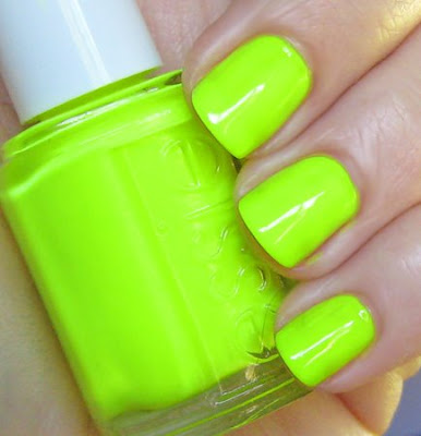 erin lucas, the city, erin lucas nails, nail polish, nail color, essie, funky limelight
