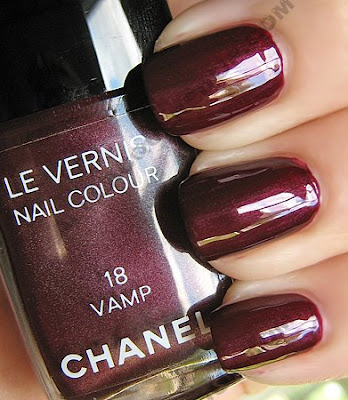 chanel vamp le vernis nail polish The ALU Archives   Chanel Vamp and Metallic Vamp