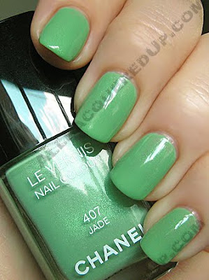 chanel jade nail collection mint green polish fall 2009 wm2 Chanel Jade Nail Collection Swatches & Review