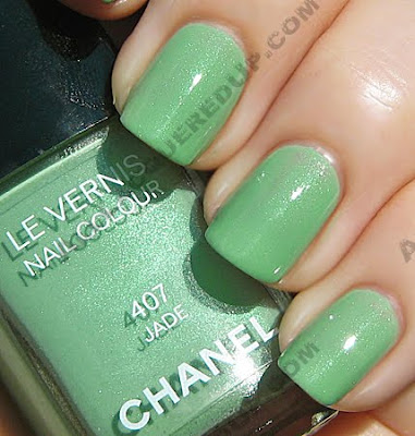 chanel jade nail polish collection mint green fall 2009 Chanel Jade Nail Collection Swatches & Review