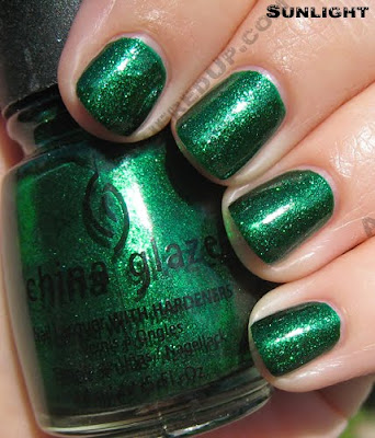 china glaze emerald sparkle i love you snow much holiday 2009 sun China Glaze Loves You Snow Much Holiday Swatches & Review
