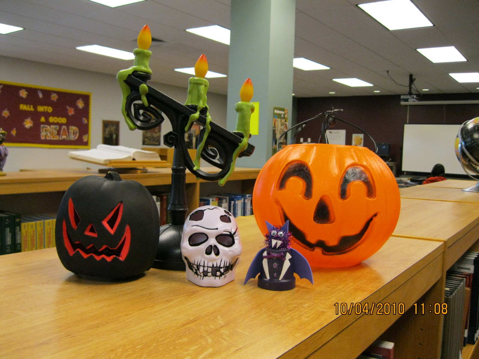 BMS Library 100 Book Challenge I love Halloween Decorations ~ 114026_Halloween Decorating Ideas Library