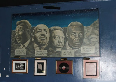 Mount Bluesmore, at Buddy Guy's Legends, Chicago - image from Today's Chicago Blues