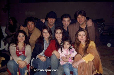 mixcan - Pakistani Actors in Dere Personal Lyfs