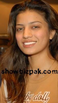 rabiabuttnomakeup - Pakistani Actors in Dere Personal Lyfs