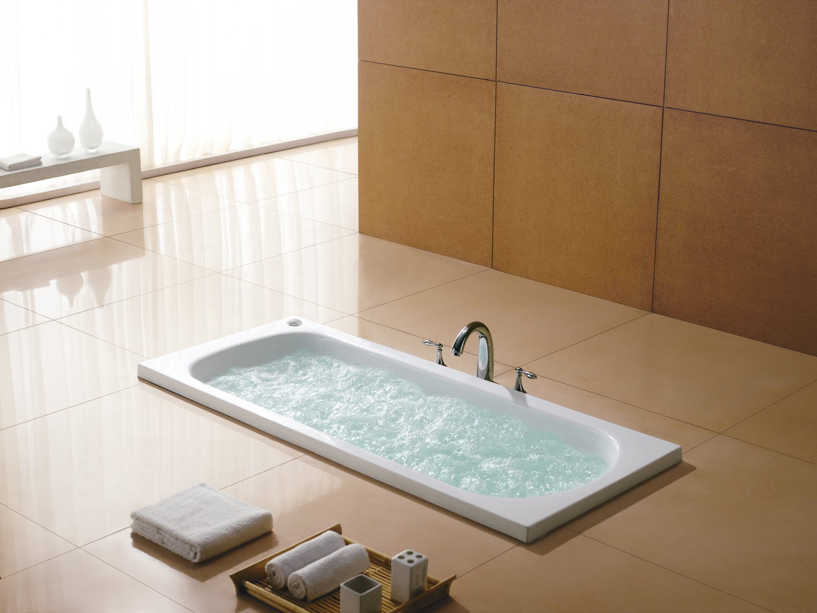 Luxury whirlpool baths from ssww for Royal whirlpool baths
