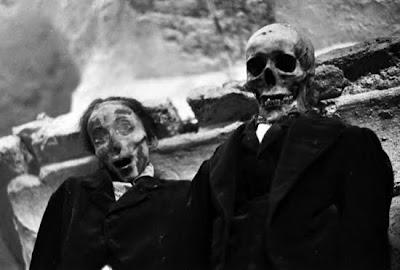 http://2.bp.blogspot.com/_8JMgjANXp6M/TLBv699Ei7I/AAAAAAAAC2s/72OcP82nW0w/s400/catacombs_19.jpg