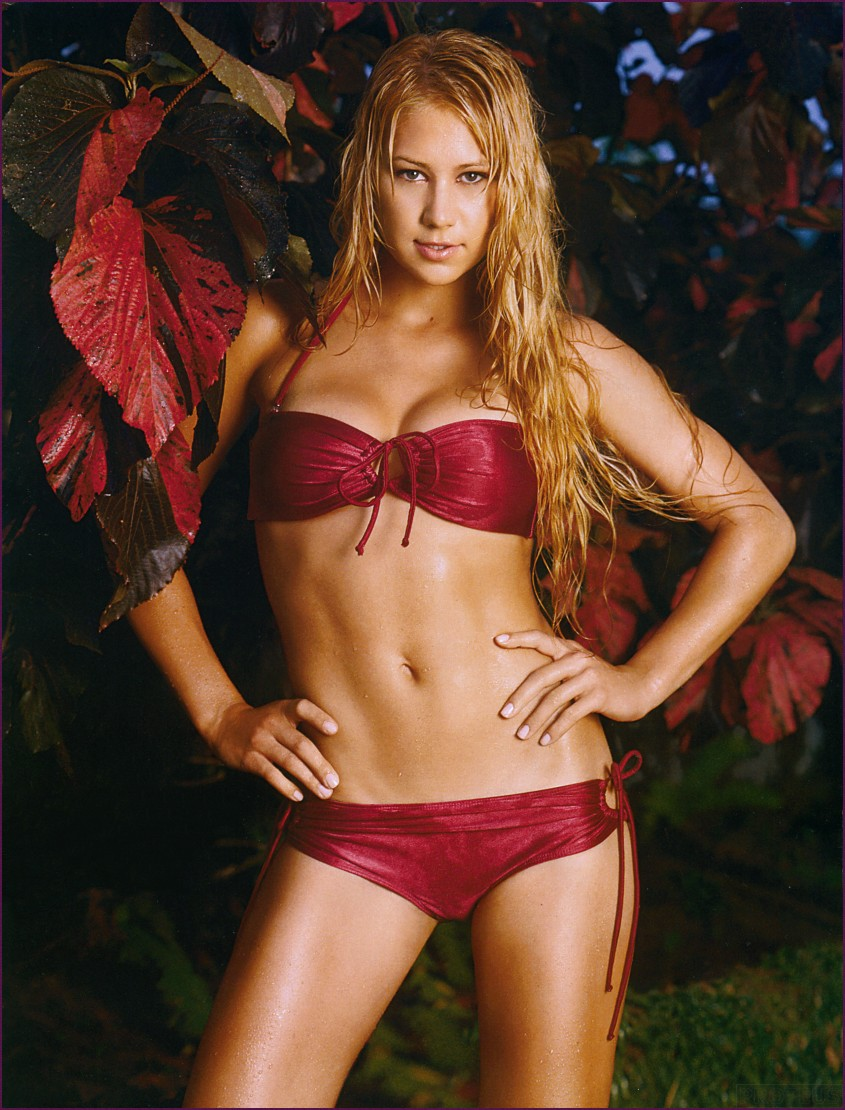 Fresh Look Anna Kournikova Hairstyles 10