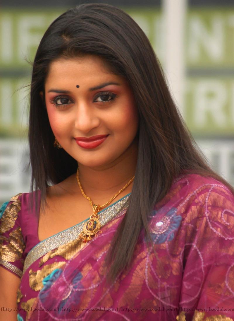 Fashion Trend Style Meera Jasmine Hot In Pen Singam