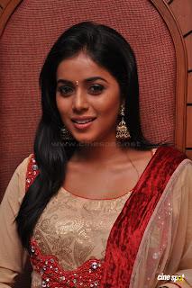 actress poorna shamna kasim hot stills
