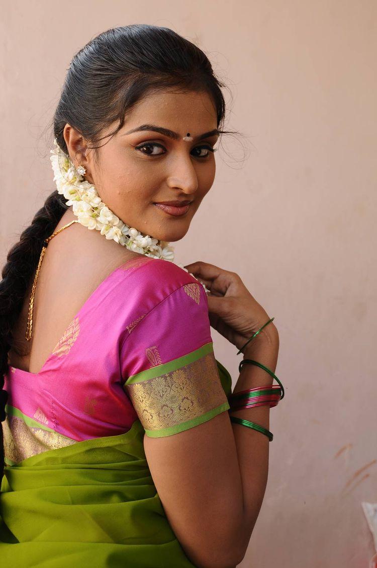 mallu actress remya nabeesan hot photos