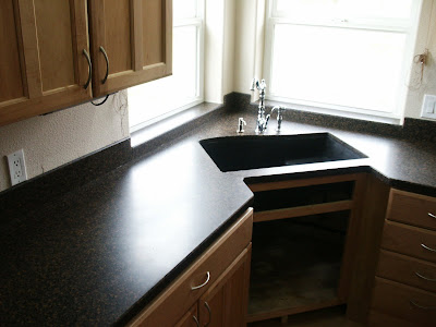 Reed mountain countertops alberton montana king avonite for Avonite sinks