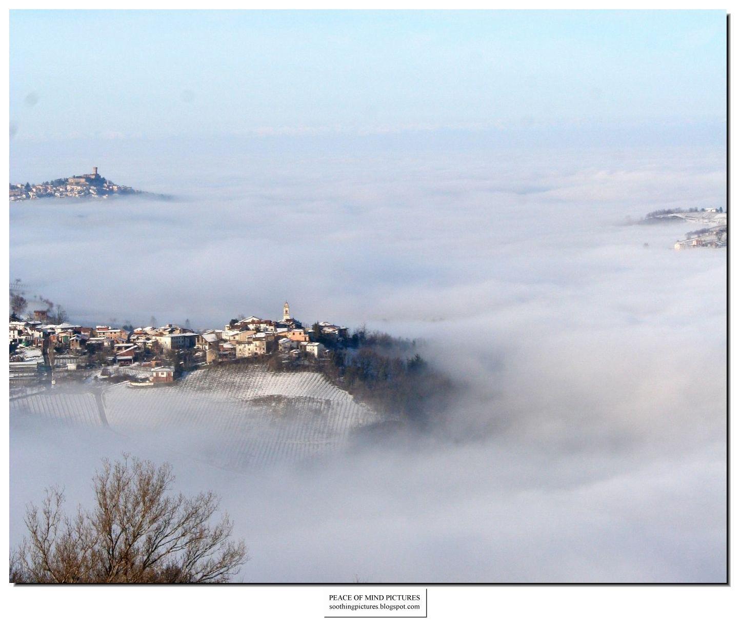 http://2.bp.blogspot.com/_8KMrX6Wq1ko/TLcU1I31qzI/AAAAAAAAH6I/6bDX9UkiIyw/s1600/peace-of-mind-pictures-fog-010.jpg