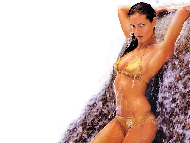 Sexy Gold Bikini Wallpaper