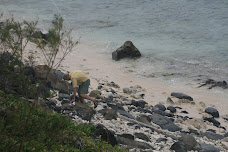 Ron fixing 160m feed point on the rocks