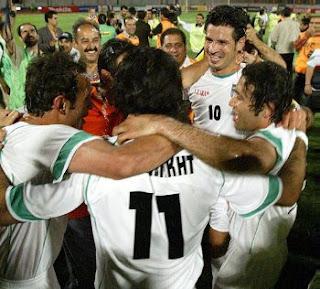 Iran Soccer : toomanyballs