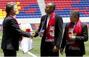 Thierry Henry signs for Red Bulls