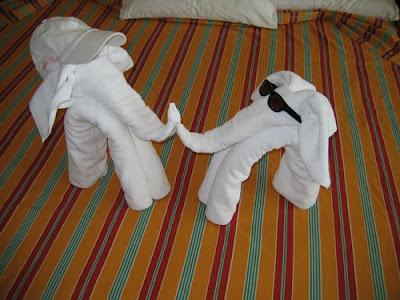 துவாய் சிற்பங்கள்  Cool+animal+towel+sculpture7