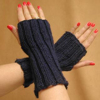 Soft Blue Fingerless Gloves!