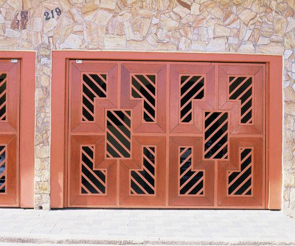 Portão de metalon com madeira ou chapa