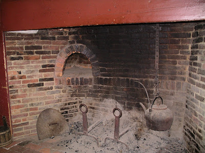 Colonial America: the simple life: Early American fireplaces and ...