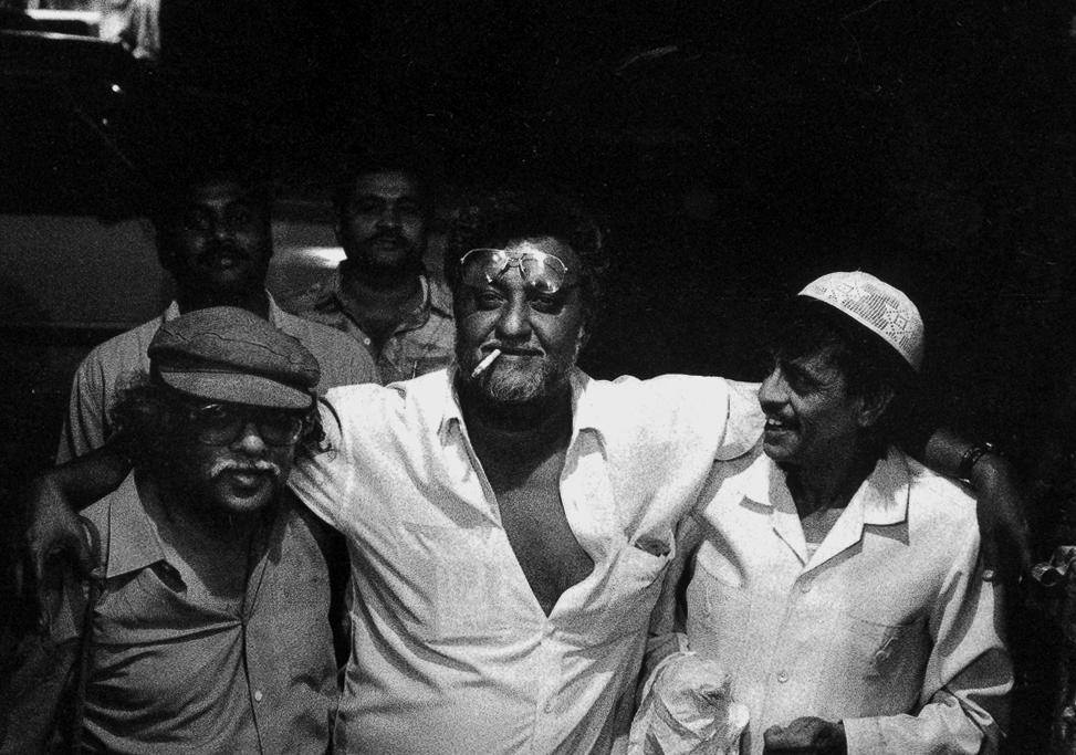 arun kolatkar Arun balkrishna kolatkar (marathi: अरुण बालकृष्ण कोलटकर) (1 november 1932 - 25 september 2004) was a poet from maharashtra, india writing in both marathi and english, his poems found humor in many everyday ma.