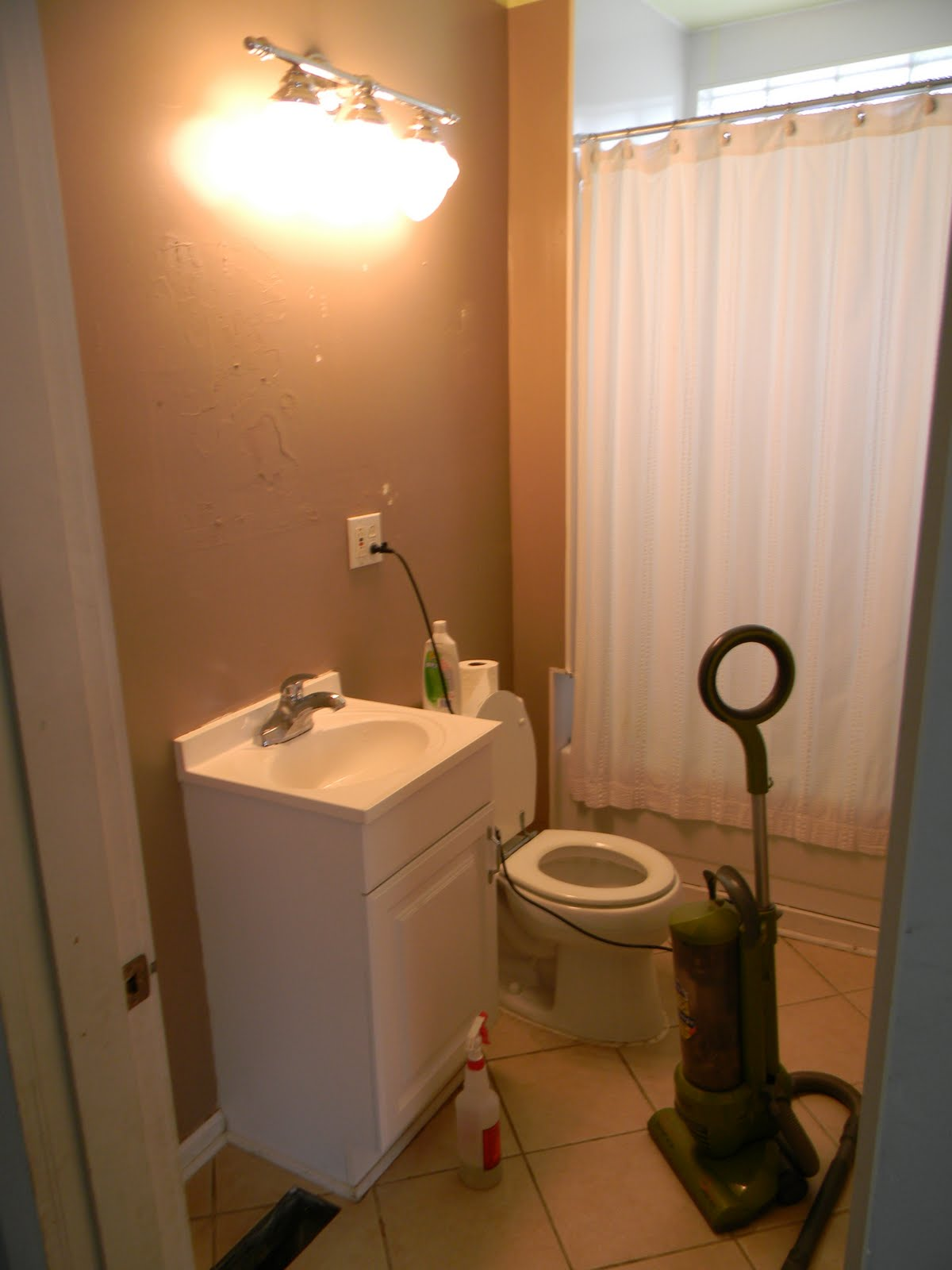 Secondhand Bathroom Redo For The Cost Of Paint