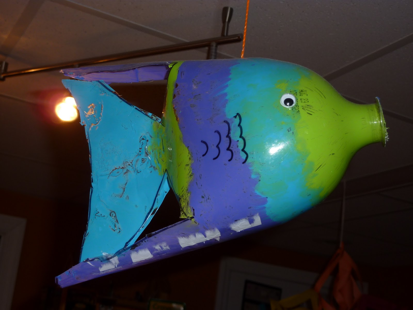 My Scrap-Happy Home: Swim with the Fish - Recycled Soda ...