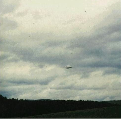 [UFO-March-18-1975-Switzerland.jpg]