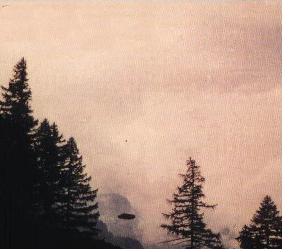 [UFO-July-26-1975-Saas-Fee-Switzerland-ozn.jpg]