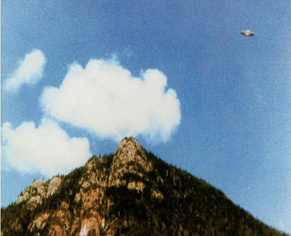 [UFO-October-8-1981-Kelsey-Bay-Vancouver-Island-Canada.jpg]
