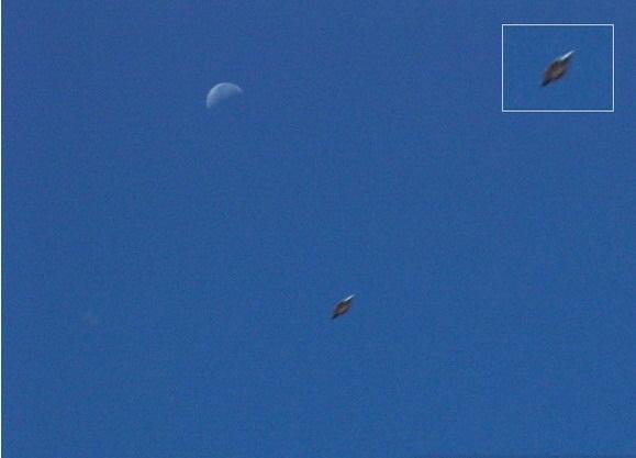 [UFO-September-7-2004-Zion-National-Park-Utah-USA.jpg]