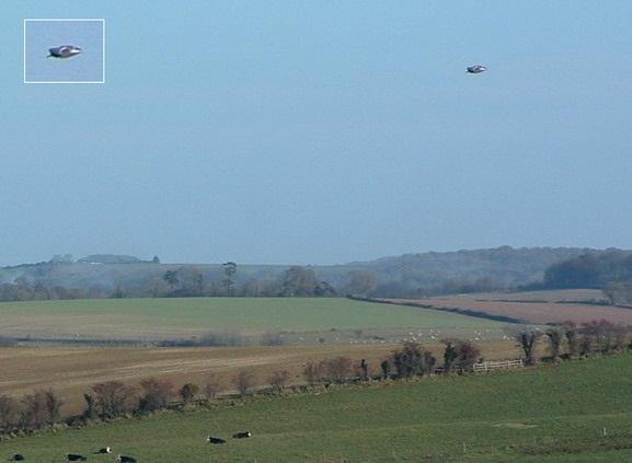 [UFO-November-14-2004-Dorchester-Dorset-United-Kingdom-UK.jpg]
