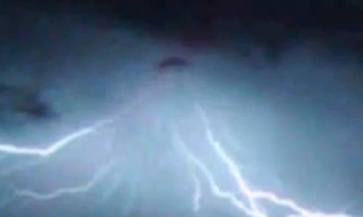 Triangle Shaped UFO Caught During Storm, UFO Sighting News
