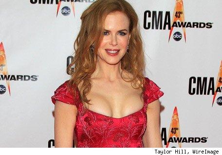 Har Nicole Kidman latt seg operere til større pupper? Burde skamme seg! thumbnail